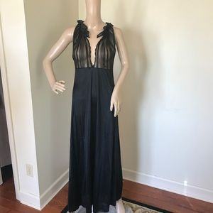 BEAU MONDE Black nightgown size medium